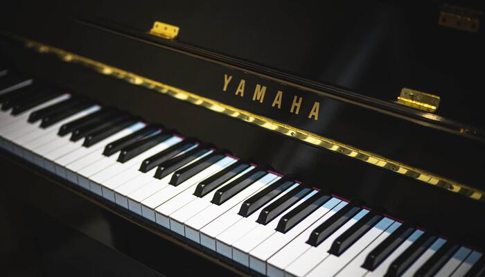 鍵盤に重みがあり、グランドピアノに近いタッチ感