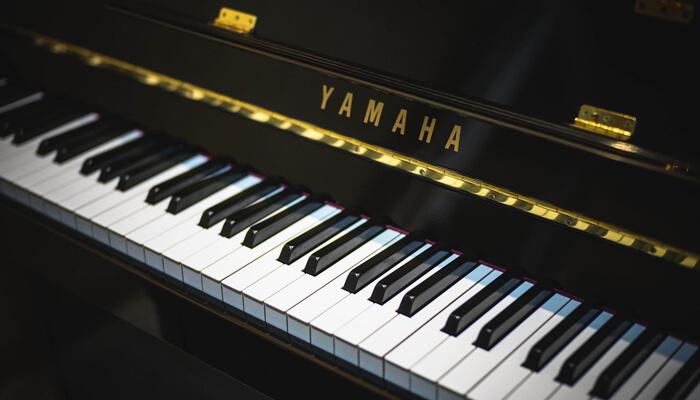 【大人のピアノ教室の選び方】グランドピアノがあるか
